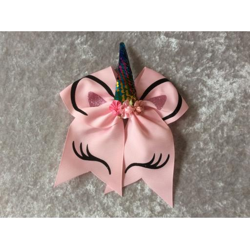 Large unicorn bow